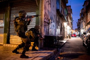 Soldiers are ordered to hunt down gang affiliates in the slums of Brazil.
