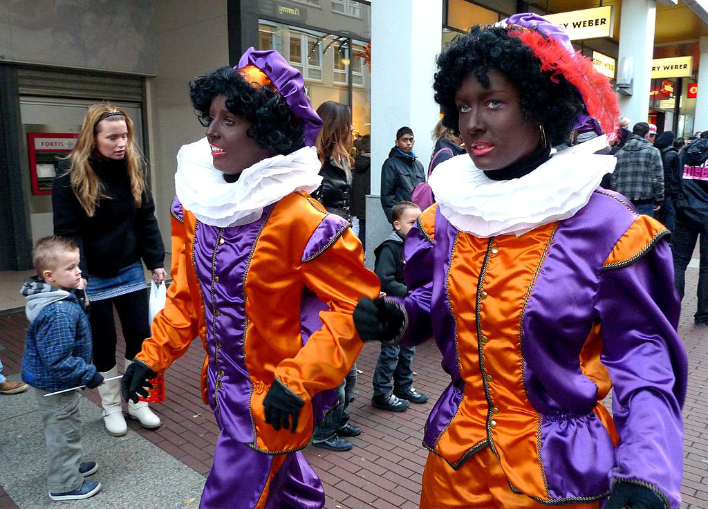 "Two women in ""Black Pete"" (2009)"